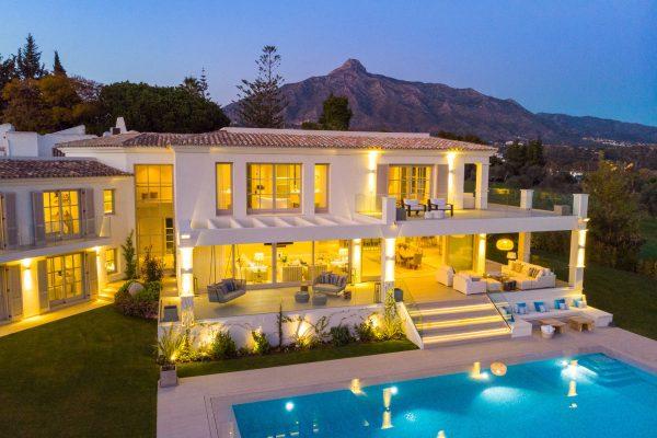 6 bedroom villa in Marbella – Nueva Andalucia for sale