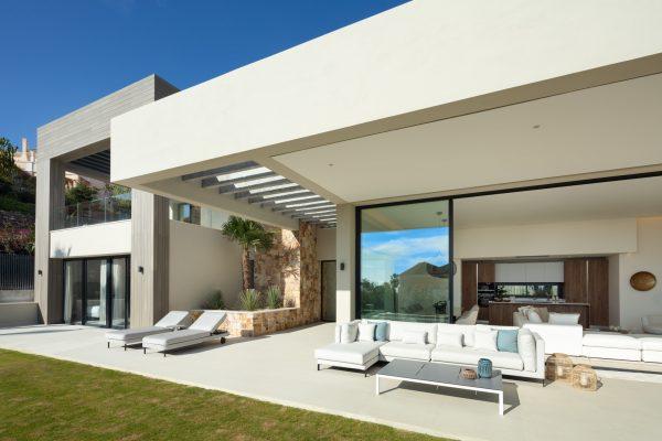 5 bedroom villa for sale in Nueva Andalucia – Puerto Banus
