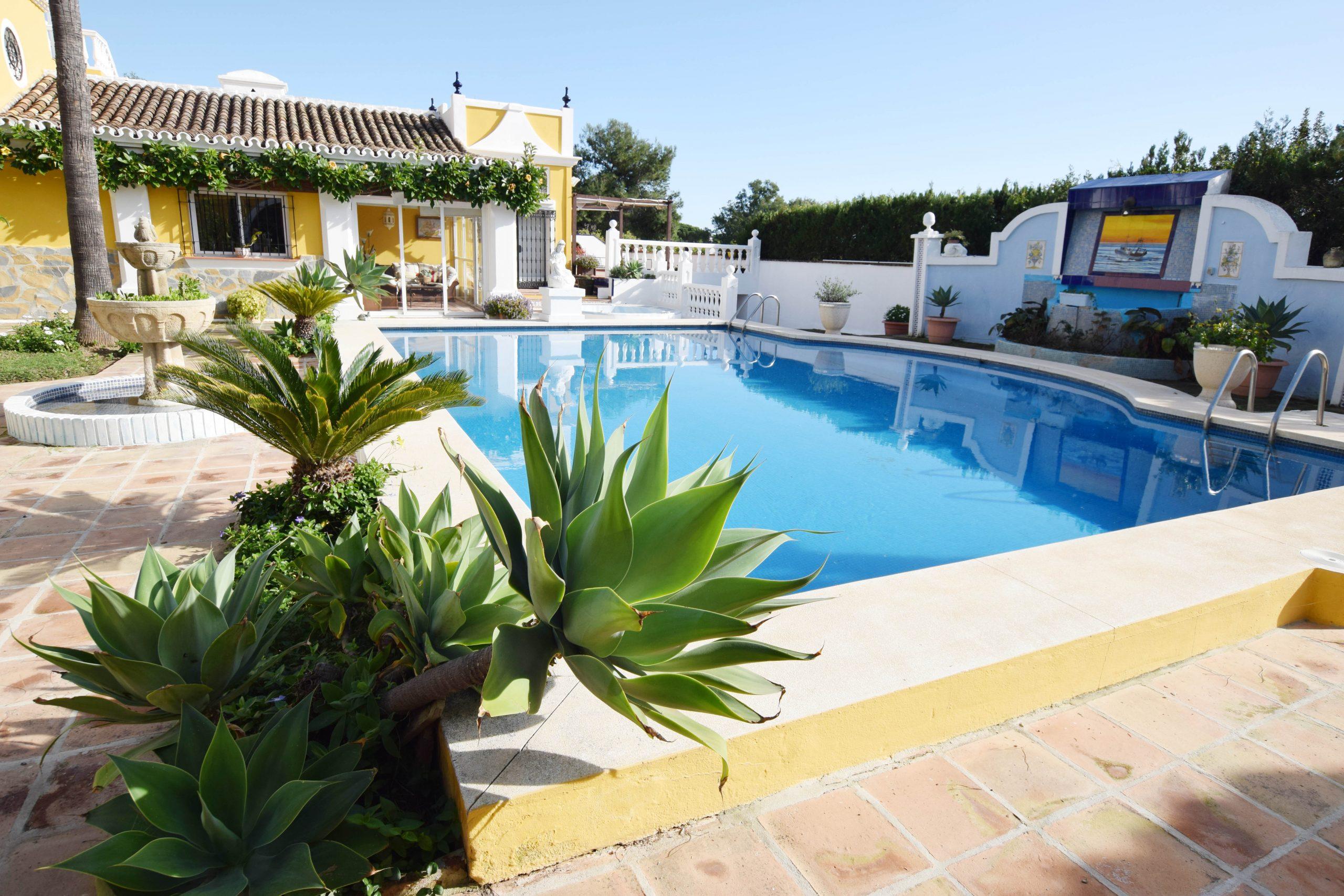 8 bedroom villa to let in Marbella - Se alquila villa de 8 ...