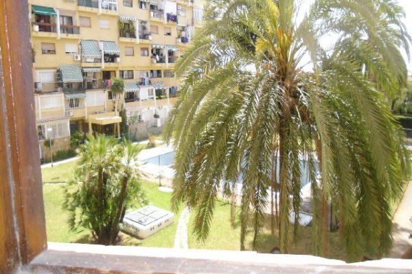 Se vende piso de 3 dormitorios y 2 baños en Marbella